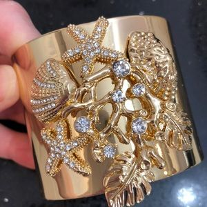 Lilly Pulitzer Jewelry - Lilly Pulitzer Sea Shell Bangle.